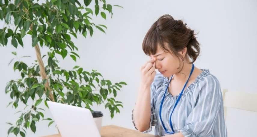 頭痛、頭暈都是吃出來的?醫生:咖啡、巧克力…這些NG食物是元兇