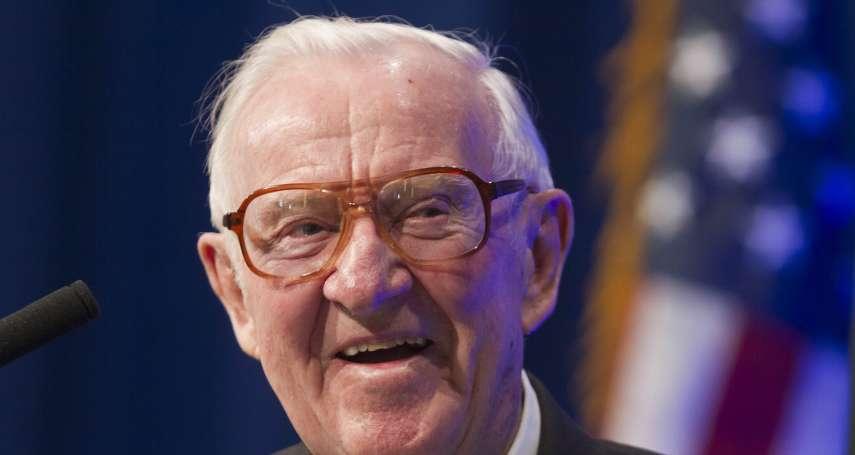他被共和黨總統提名,卻成為自由派領袖:美國聯邦最高法院退休大法官史蒂文斯過世,享耆壽99歲