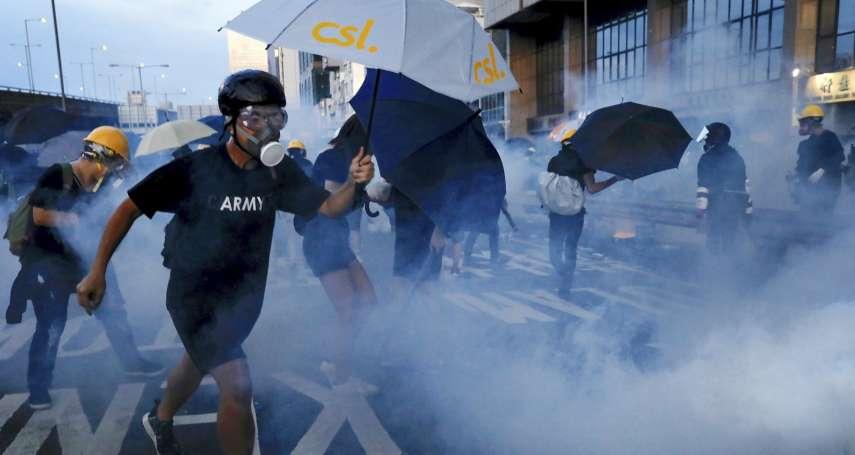 港警首次承認使用過期催淚彈、派員喬裝「不同人物」 高官離譜聲稱:行刑式掃射「不會造成槍械損傷」