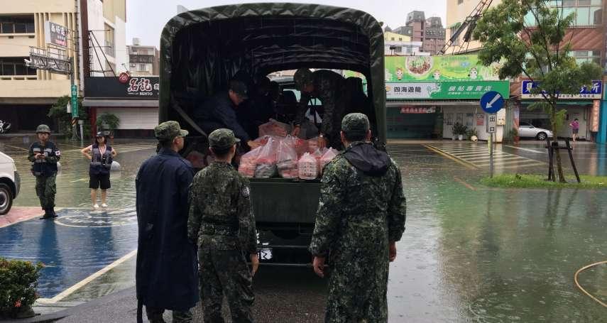 中型戰術輪車支援發便當!豪雨襲南台 國軍第四作戰區完成災防整備