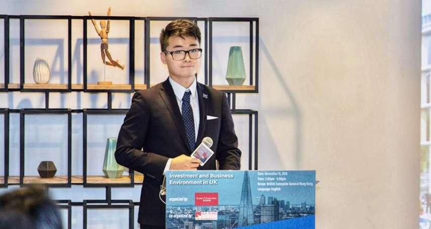 英國駐香港領事館人員鄭文傑遭中國拘留15天 上午獲釋返港後暫不公開受訪