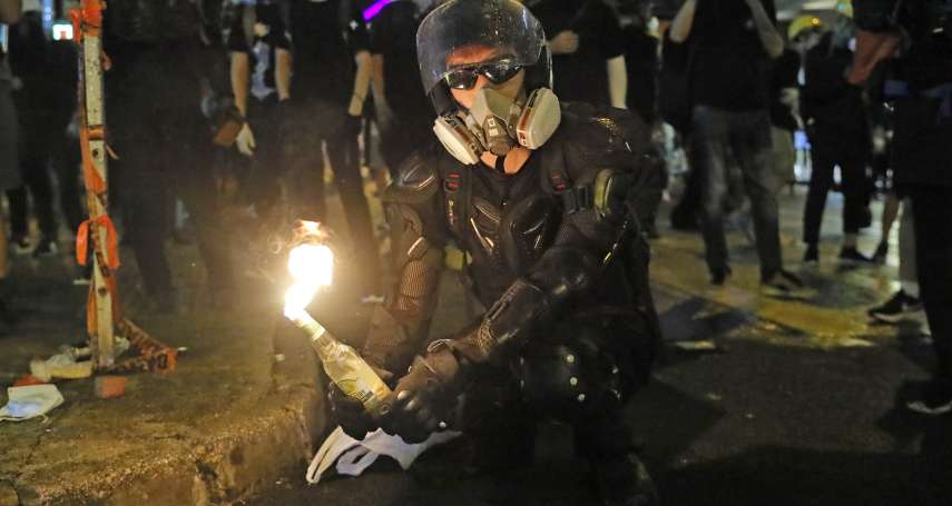 腹背受敵的香港「反送中」世代:街頭面對警察暴力,回家後面對父母責難