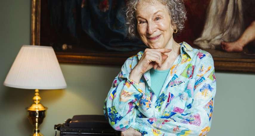 「她是先知!」加拿大國寶級作家愛特伍《使女的故事》續集出版 書迷漏夜排隊搶購《聖約》