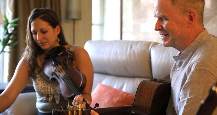 「我們的生命,終其就是故事的集合體」加拿大音樂人馬孟凱愛上民主台灣 為人權與自由而唱