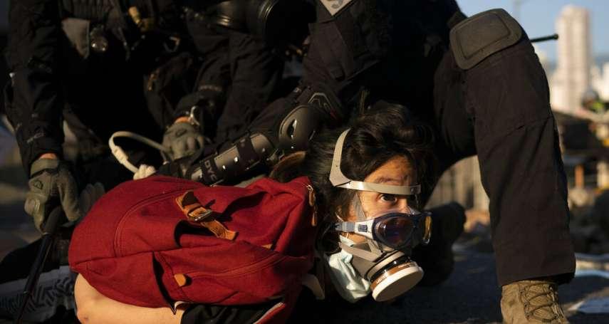 香港「十一國殤」》有其他武器,為何近距離實彈轟學生?港警:多區暴動,警察為「拯救自己與同袍」開槍