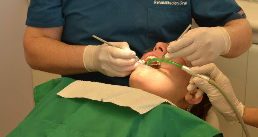 牙齦流血、發炎千萬要小心,高血壓可能也在等著你!醫生道出牙周病意想不到的危害