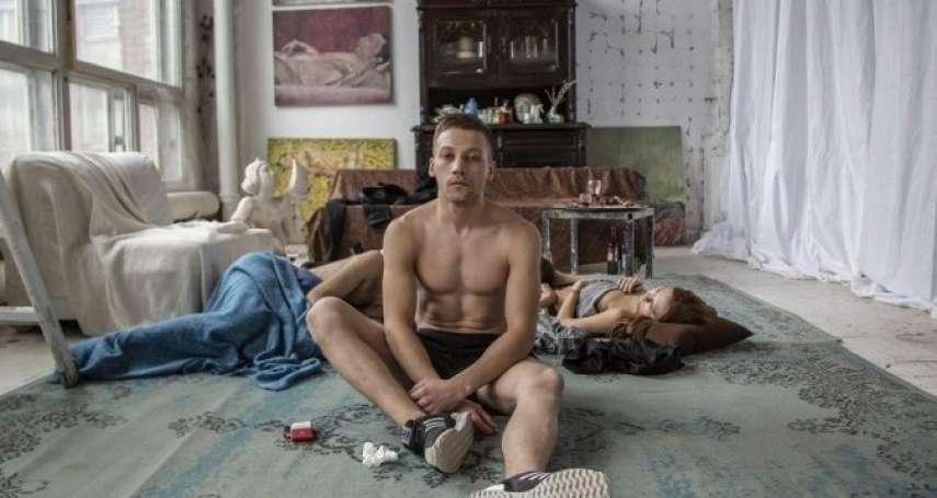 沒有甜蜜家庭、美好未來,他們用硫酸找回青春…獻給當今父母,俄國男星拍下青少年放浪哀愁