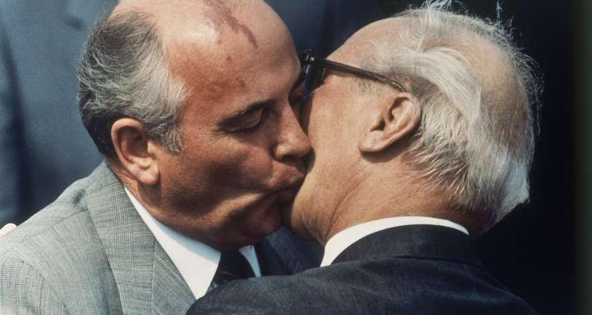 「對西方釋出善意,等於背棄東德政府!」柏林圍牆倒塌,種下普京對戈巴契夫的恨……