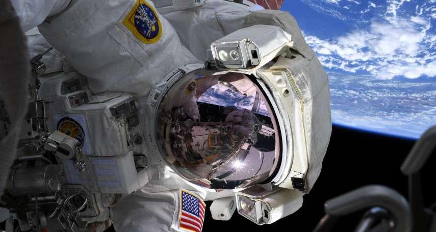 「宇宙熟成」會好喝嗎?波爾多紅酒登上國際太空站,科學家探索「無重力」與「輻射」如何影響熟成