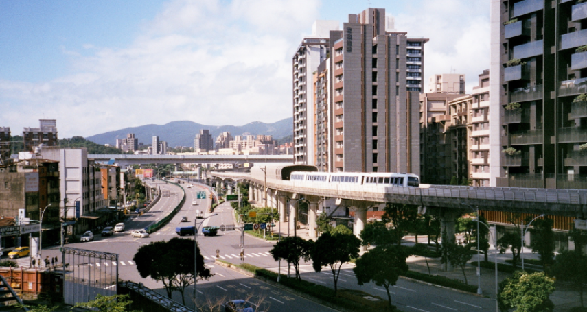 兩條捷運三鐵共構,台北人口最少的南港是入主天龍國首選嗎?想在這買房要考慮3大問題…