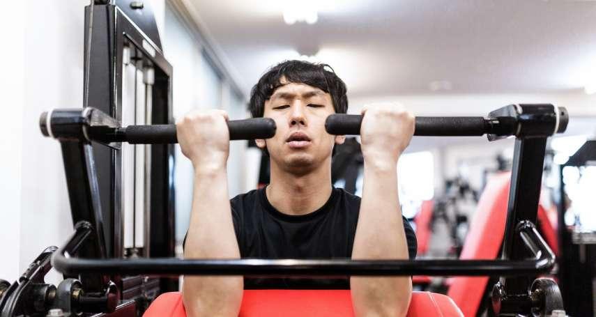 重訓千萬別只練上半身!醫生:不但增加血管硬化風險,腿不夠粗還可能會罹癌…
