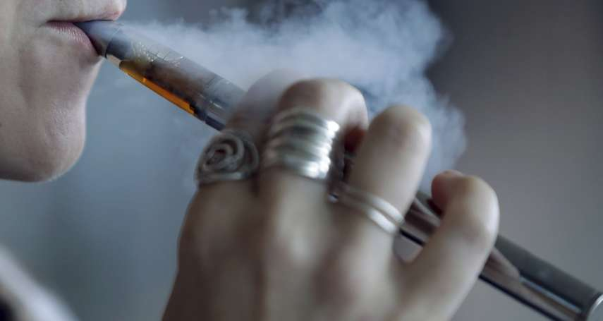 《菸害法》修正草案出爐!吸菸年齡升至20歲、電子菸列「類菸品」管制