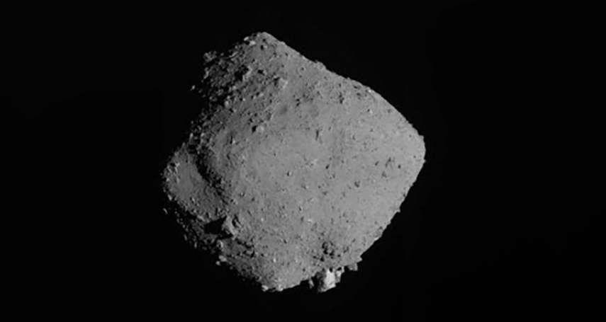 隼鳥2號返回地球中!日本太空船採集小行星「龍宮」土壤 有助探索太陽系起源祕密