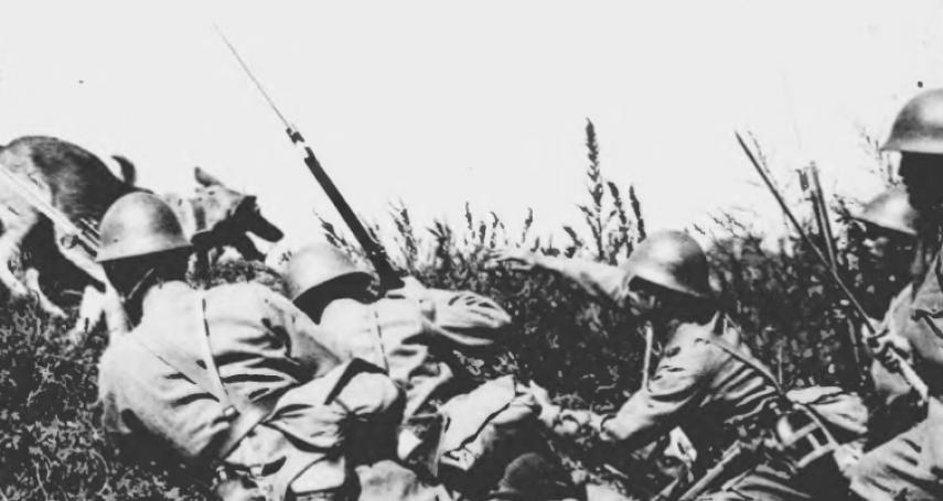 命比軍馬還不如!士兵上前萬歲衝鋒,軍官在後飆罵去死…日本二戰「玉碎」倖存者揭驚悚回憶