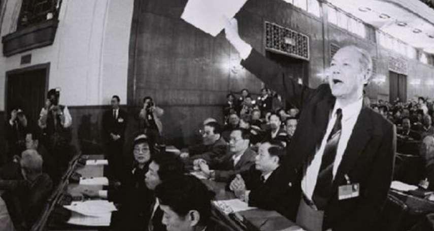 王拓遺作:那一年,人在北京的黃順興歡談國與家