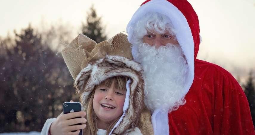 零度冷空氣中,退休老翁踩單車趕場「扮聖誕老人」 他不求回報,只願流傳互助互愛精神