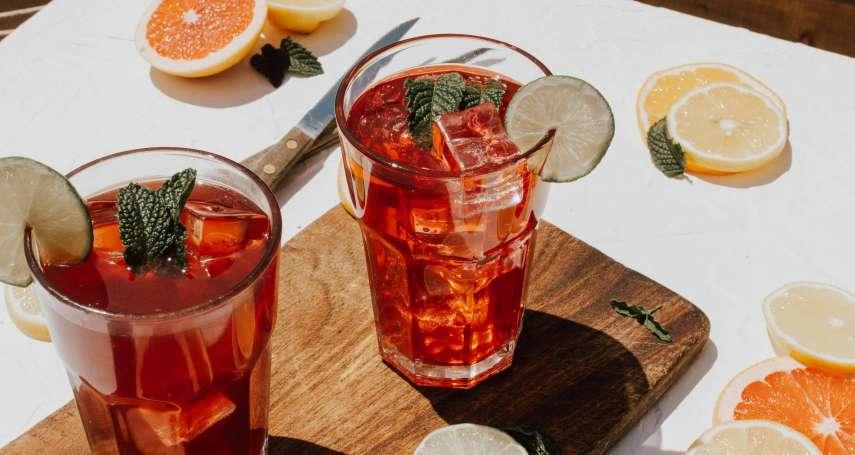 排毒、抗老、抗發炎!超健康又能「微醺」的康普茶在全球爆紅,專家深入評比卻爆出吃驚結果