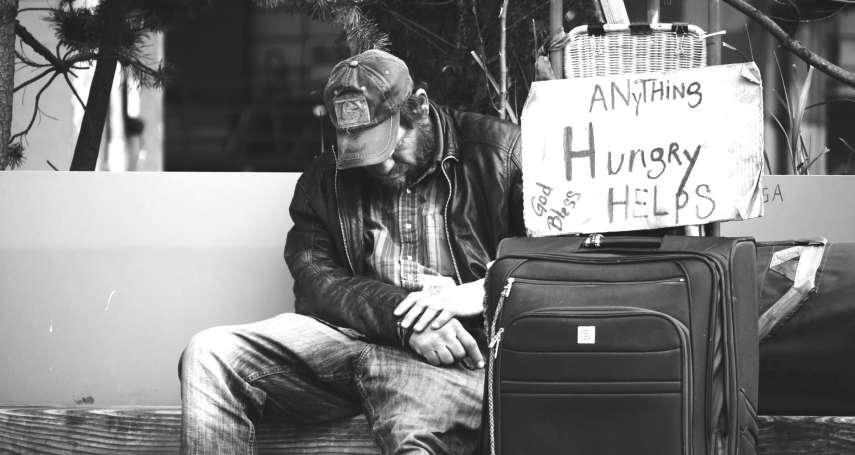 全身家當就一個背包一把傘,數百遊民困鬥舊金山:連公園都不能睡,睡了會被抓進監獄