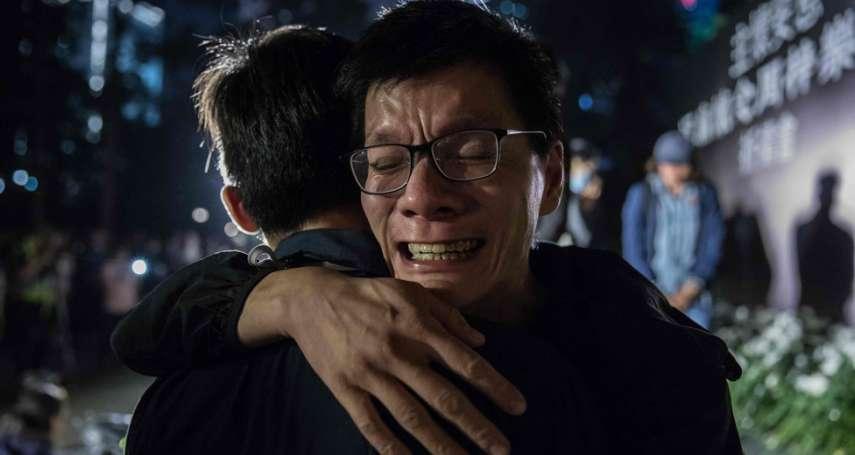 他愛香港香港卻不愛他的「港漂」、撐警察卻麻煩上身的藍店老闆娘...那些香港示威中的激烈情感與故事