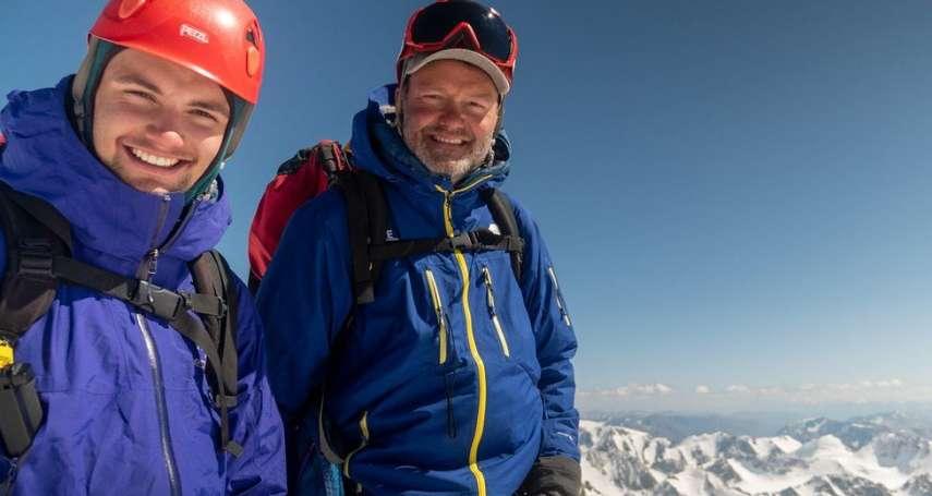 為了讓兒子放下手機,這位加拿大爸爸帶孩子到蒙古冒險壯遊