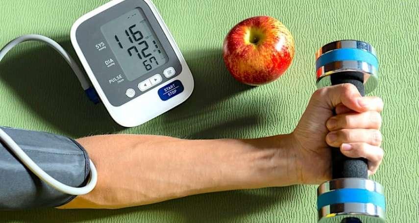 血壓飆高怎麼辦?這三種運動能有效降血壓,但如出現這些症狀,建議還是儘速就醫