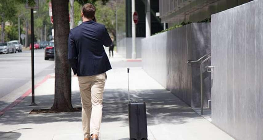 一個兩萬四的旅行箱如何讓你願意掏錢?它不但會跟著你走,走丟了還會大叫!