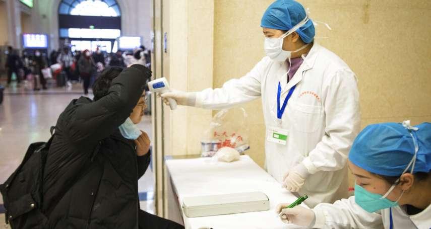 武漢封城後的市民生活:超市一掃而空、醫院人滿為患,「像是《惡靈古堡》一樣」