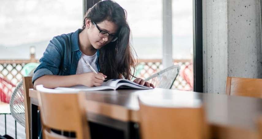 孩子為何不快樂?這位老師道破:沒人問過他們的夢想,只要他們衝高成績再為父母的虛榮負責