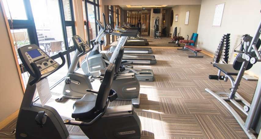 微解封》全台7/13起健身房將有條件開放!體育署公布器材防疫規則,維持這距離就可以使用