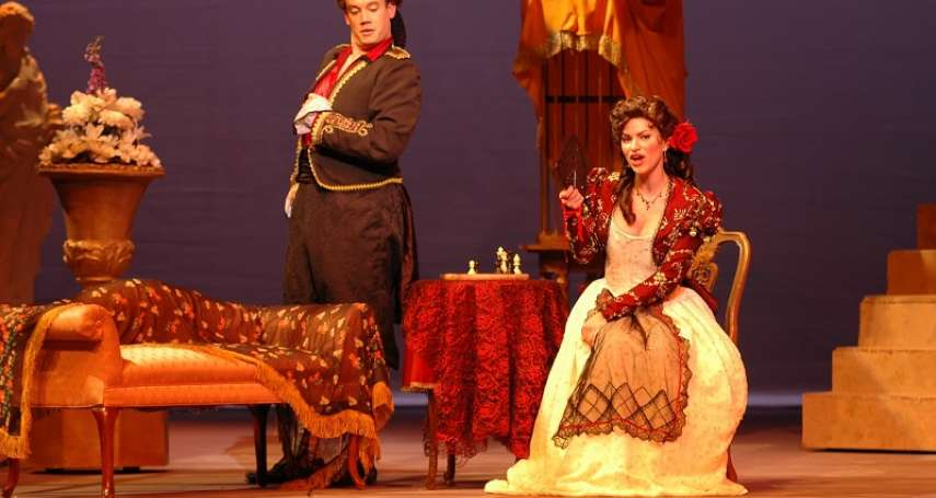 那年奧匈帝國解體,末代皇帝逃亡,整個歐陸滿目瘡痍,這齣歌劇憑什麼療癒了全歐洲?