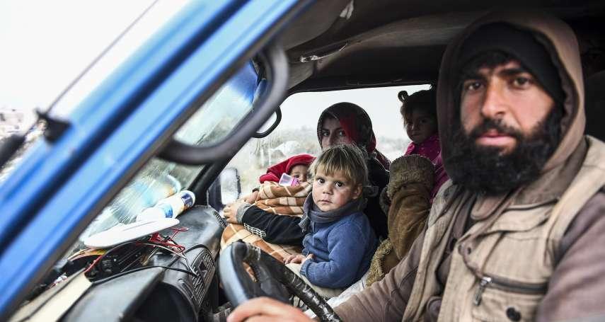戰火中的童年:敘利亞3歲女娃空襲聲中開懷大笑 父親發明「私房遊戲」原因令人心碎
