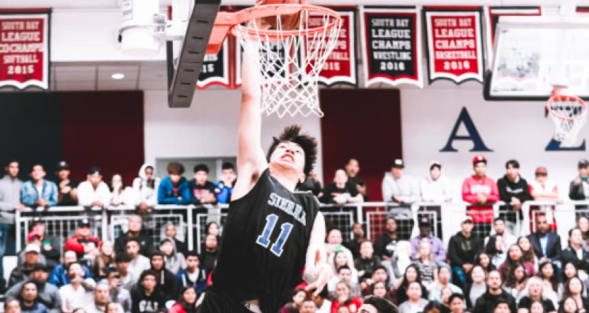 籃球》小詹姆斯球隊出現亞裔面孔 「姚明第二」222公分余嘉豪闖美國籃壇