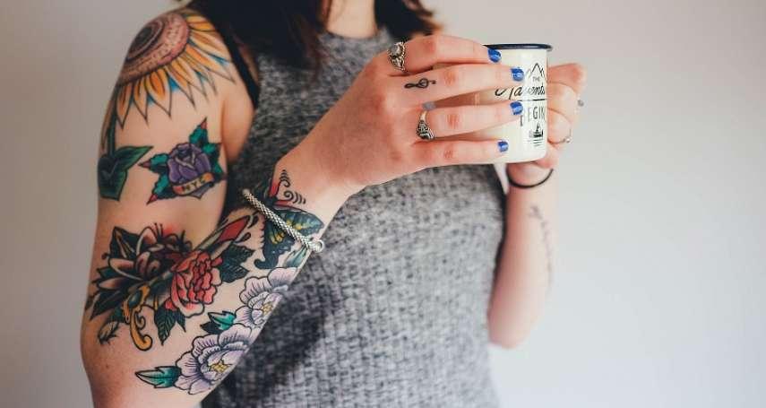 致癌不分藍綠!歐洲化學管理局禁刺青師用藍綠兩色引發15萬人連署抗議,德國刺青師:逼我走私顏料?
