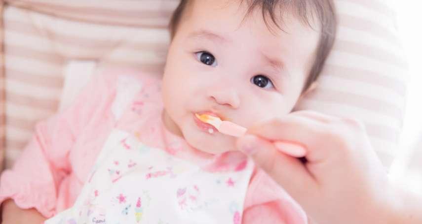 寶寶何時該吃副食品?第一次吃該注意些什麼?營養師這樣建議新手爸媽