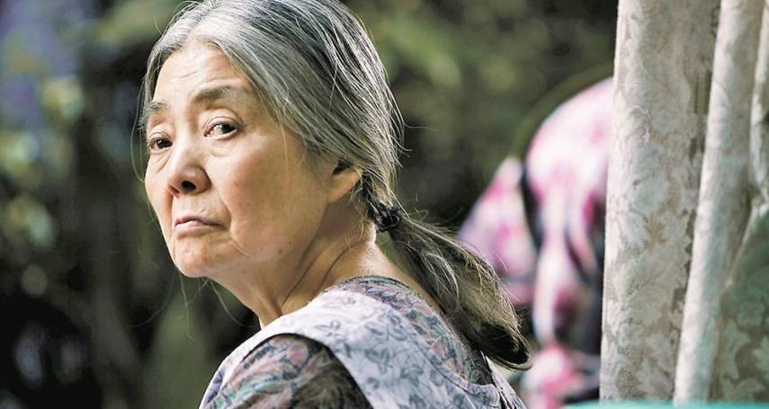 親人臨終到底該如何面對?日本國民奶奶用一生示範:再狼狽的人生,都能優雅走上最後一程