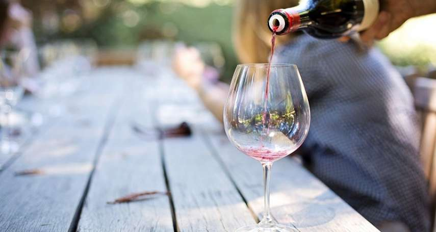 紅酒到底陳年多久才適飲?紅酒達人精闢分析紅酒的陳年變化曲線,原來這時候喝最好喝!