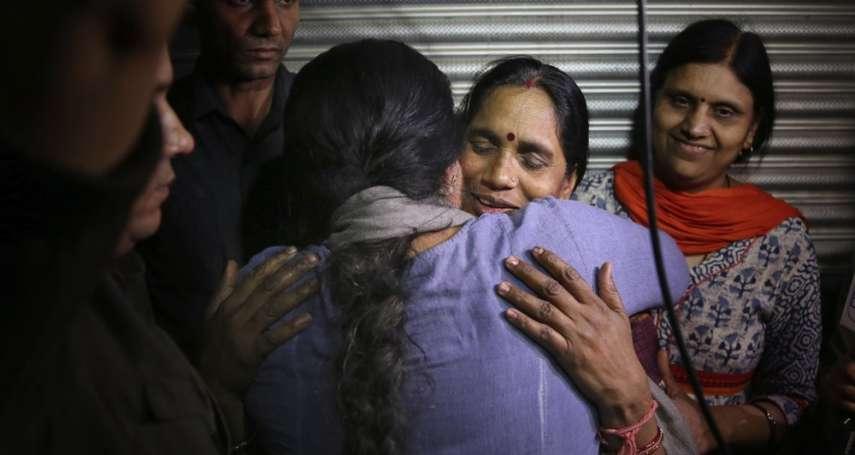 印度震驚全球的公車輪姦案:4名罪犯執行絞刑!直到死前還在申請減刑,曾稱受害者不該反抗