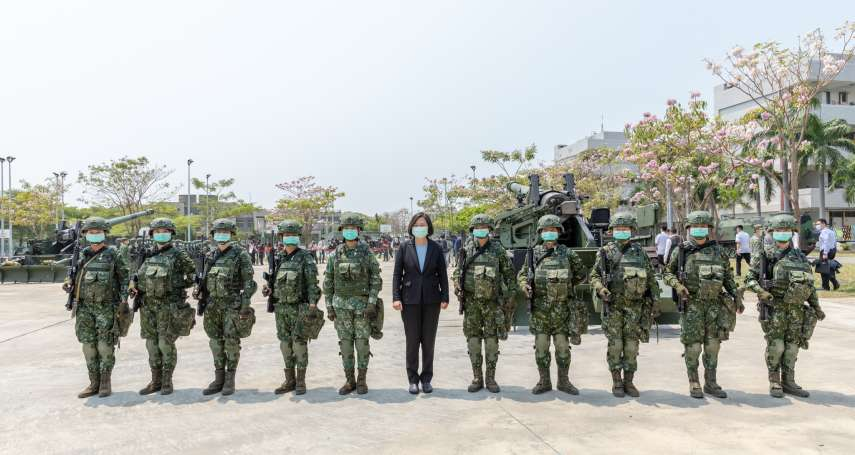 國軍女砲班扛98公斤砲彈 蔡英文大讚:保家衛國不分性別