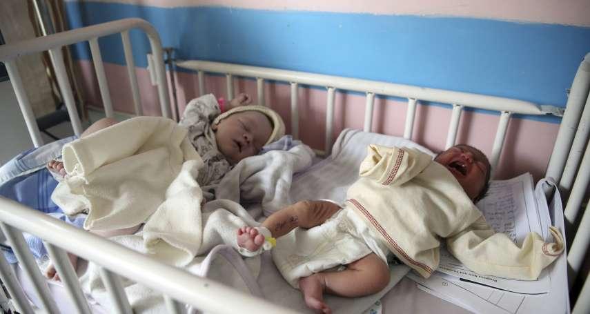阿富汗婦產科大屠殺》心痛!產房淪為刑場,嬰孩出生就沒了母親 愛心媽媽為失恃新生兒哺乳