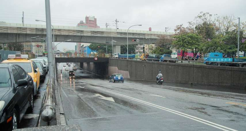 在地民眾期待40年 東區建成路地下道終於進行填平作業