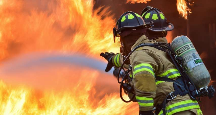 兩個問題改變你的火場迷思,正確逃生觀念與烈焰搶命!