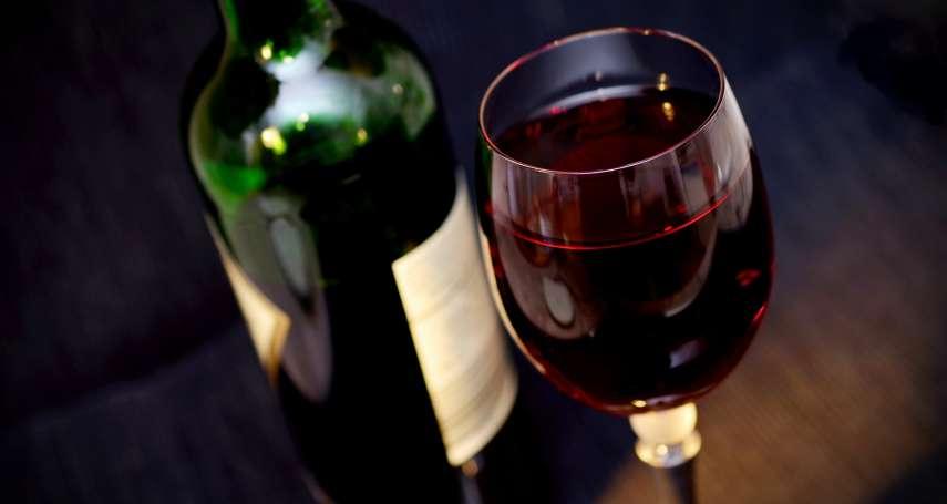 疫情讓葡萄酒滯銷怎麼辦? 法國酒廠將2億公升美酒做成乾洗手消毒凝露!