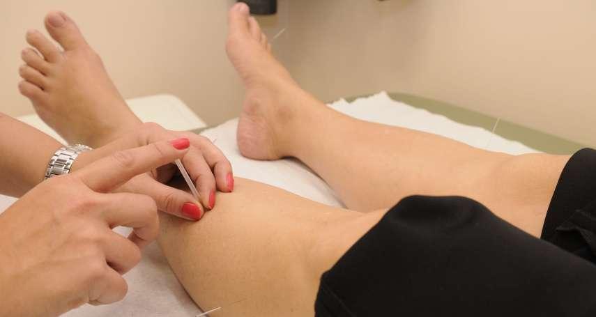 他針灸調身體,竟扎成了蜂窩性組織炎!醫生警告:小傷口放著不管後果超嚴重