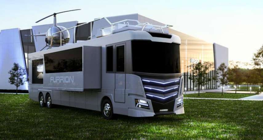 內建直昇機停機坪,或是一秒折疊變小船!10種超豪華露營車,讓你探索秘境也能吃好睡好