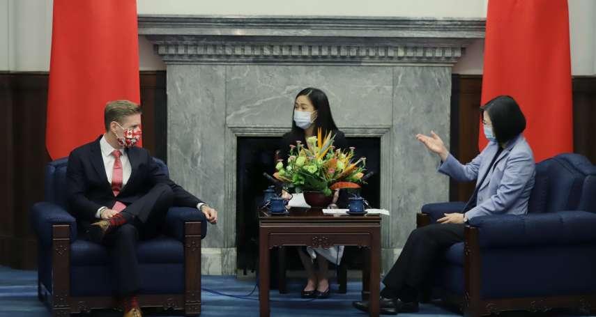 加國駐台代表見蔡英文翹腳 黃暐瀚喊「總統被羞辱」:加拿大應道歉