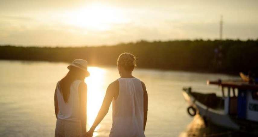 【約會指南】想牽對方的手,卻總是沒抓準時機?心理師親授8大實用招術,讓男女關係大加分
