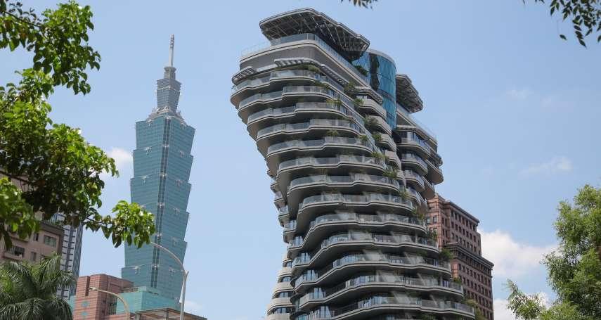 新打卡熱點!一戶要價18億的旋轉豪宅點燈秀,建商直接公開最佳攝影位置