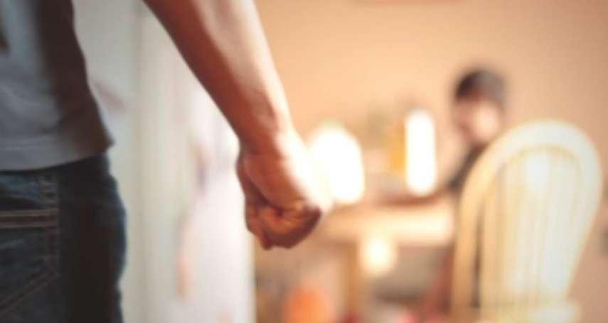 家暴對孩子會有什麼影響?科學研究:受虐孩童易得阿茲海默症,還會引發此後遺症