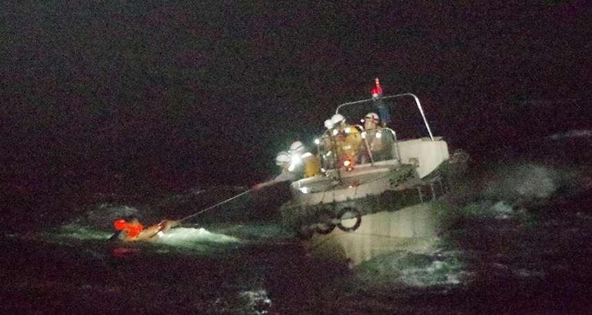 運牛船在東海翻覆》目前僅1人獲救 42船員、逾5800牛隻落海失蹤