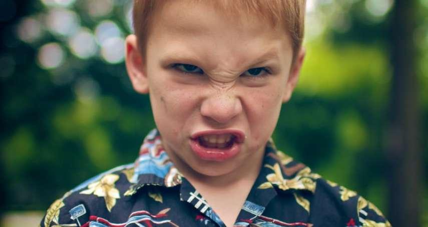 相由心生是真的!心理學揭影響後天長相的3大關鍵因素:經常生氣的人,會越變越醜